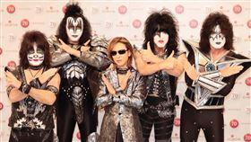 Yoshiki將與美國重金屬樂團KISS,在紅白歌合戰同台。(圖/翻攝自Yoshiki臉書)