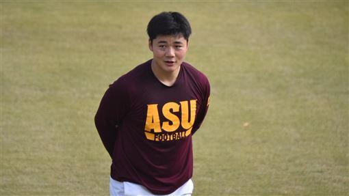 ▲清宮幸太郎在自主訓練時立下要拿全壘打王的目標。(圖/翻攝自推特)