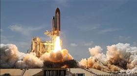 發射火箭、衛星示意圖,日本情蒐衛星光學7號 訂2020年1月底升空(圖/翻攝自pixabay)