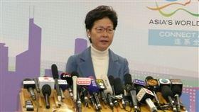 林鄭月娥:港府當前工作仍是止暴制亂到北京述職的香港特首林鄭月娥16日晚間舉行記者會時強調,當前港府的工作重任仍然是止暴制亂。中央社記者周慧盈北京攝 108年12月16日