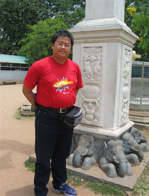 台南拉法自然診所院長趙鴻丞,96公斤時的照片。趙鴻丞提供