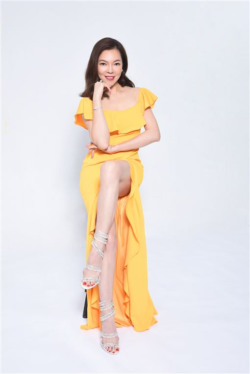 Enya Fashion Queen12月號封面人物曾馨瑩的相關報導,勞煩在資料的下方皆標註Enya Fashion Queen