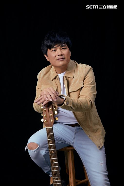 歌壇首位「律師歌手」蘇明淵12/25推台語創作專輯照片提供紅豆娛樂
