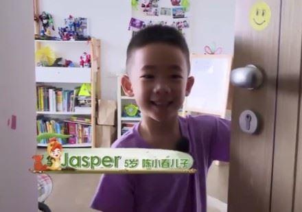 應采兒,陳小春,Jasper,爸爸去哪兒,限童令/微博