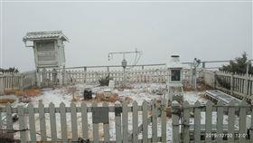 玉山下雪照 中央氣象局提供