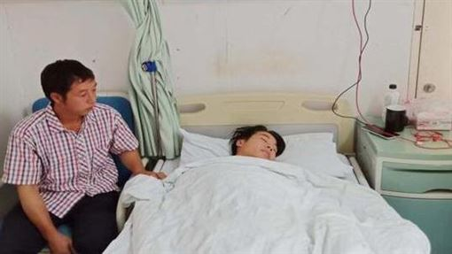 19歲大學生罹腎癌病危!想見離家母最後一面 媽卻狠拒(翻攝自微博)