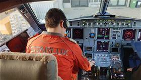 張國煒親驗收機艙 「吃掉乖乖」喊:星宇貳號機要回家了 圖翻攝自星宇航空 STARLUX Airlines臉書