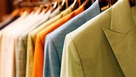 名牌,大衣,Versace,二手,衣服,精液,威脅,退貨,App 圖/翻攝自pexels https://parg.co/2dk