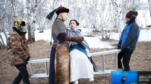 李蘭迪,李雲迪,宮庭劇《夢回》,公主抱 圖/翻攝自微博