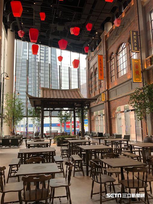 遠百信義A13四樓大稻埕美食街。(圖/讀者提供)