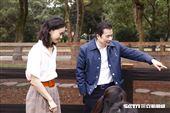 鍾瑶與三立影城董事長張榮華為水豚君入村揭幕。(圖/記者林聖凱攝影)