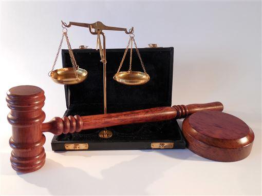 ▲法律,司法,判決,審判,法官,開庭。(圖/翻攝自免費圖庫Pixabay)