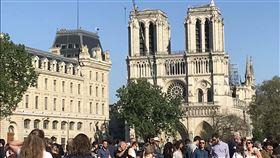 巴黎聖母院重建  環境含鉛問題浮現巴黎聖母院今年4月慘遭祝融,部分被毀建材含鉛,在重建過程中,環境鉛污染問題浮上檯面。(資料照片,攝於火災後一週)中央社記者曾依璇巴黎攝  108年8月1日