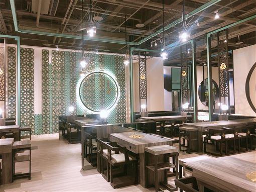▲王品集團旗下的火鍋品牌「青花驕」,第四間店進軍板橋地區。(圖/青花驕提供)