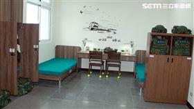 裝甲第542旅月祥樓啟用官兵寢室寬長舒適。(記者邱榮吉/攝影)