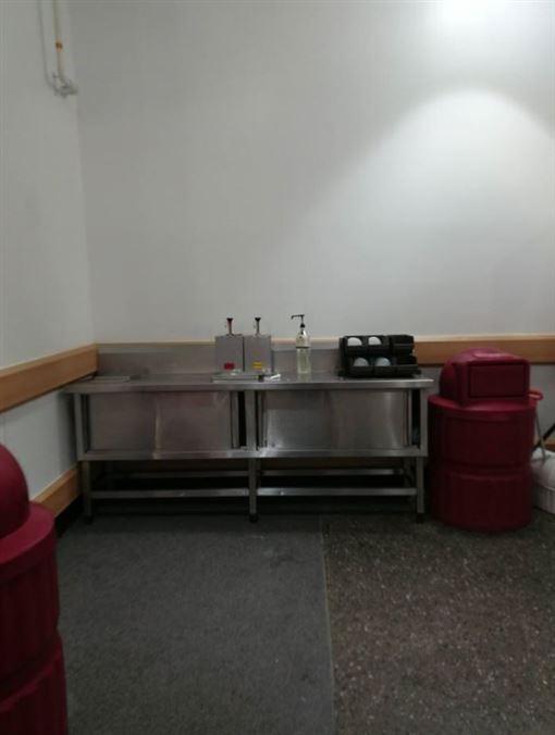 南韓,好市多,洋蔥,用餐,用餐區,賣場\https://www.facebook.com/groups/1260448967306807/permalink/3067938199891199/