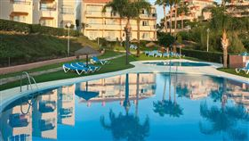 Club La Costa World泳池(圖/翻攝自Club La Costa World推特)