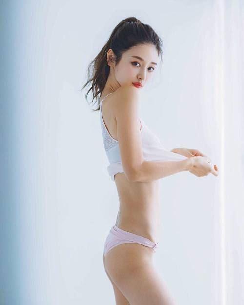 32歲日本女歌手加治瞳(翻攝IG)