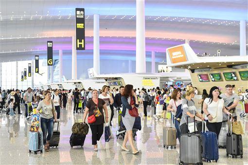 廣州,白雲機場,客運量,首次超越,香港(圖/中新社提供)中央社