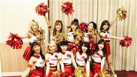 Rakuten Girls前往Rakuten集團納會擔任表演嘉賓。(圖/樂天桃猿提供)