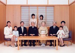 日本天皇近親結婚 為何後代沒畸形?