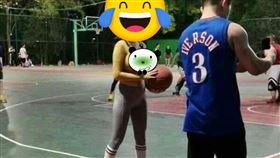 籃球,打球,運球,奶球,緊身衣,犯規,加藤軍路邊隨手拍