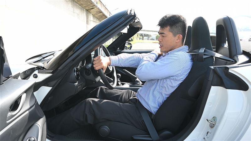 影/正確設定駕駛座 開車出遊更安全