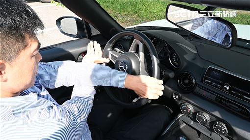 ▲開車如何設定駕駛座。(圖/鍾釗榛攝影)