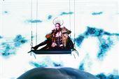 天后Jolin蔡依林四度攻蛋全新巡演「Ugly Beauty 」台北站首場登場,一開場便以「惡之女王」造型從7曾樓高空降舞台,「提頭」現身。(記者邱榮吉/攝影)