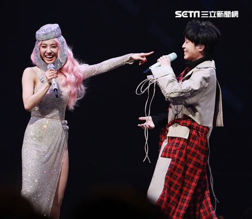 Jolin蔡依林全新巡演「Ugly Beauty 」台北站第三場特別來賓青峰。(記者邱榮吉/攝影)