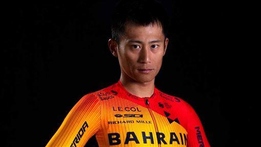 再度叩關奧運  馮俊凱拚好表現台灣公路車好手馮俊凱確定取得2020東京奧運參賽門票,再度叩關奧運,除了完賽,馮俊凱這次也希望爭取好表現。圖為馮俊凱穿著新戰袍。(Team Bahrain McLaren提供)中央社記者黃巧雯傳真  109年1月1日