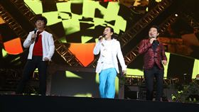 任賢齊演唱會找來好友阿牛跟九孔當嘉賓 還有任爸任媽 新聞稿、照片、影片提供:寰亞唱片