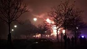 德國,天燈,動物園,大陸,火災(翻攝自YT- Guardian News)