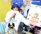 「網紅的瘋狂世界」演員吳思賢粉絲幫過生日。(記者邱榮吉/攝影)