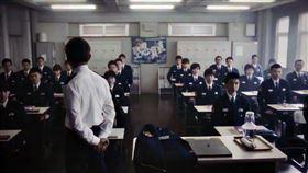 《教場》劇中有90位學生彷彿進入生存遊戲,堪稱「警校版《大逃殺》」。(圖/翻攝自教場官方推特)