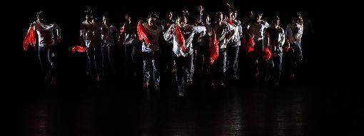 相遇舞蹈節 邀民眾參與工作坊後舞出波麗露2020第3屆相遇舞蹈節以「共創」為題,並邀請香港「不加鎖舞踴館」藝術總監王榮祿開設「波麗露身體工作坊」,參與學員完成課程後,便能參演作品「波麗露」,體現人人都能跳舞的意涵。(三十舞蹈劇場提供)中央社記者鄭景雯傳真 109年1月5日