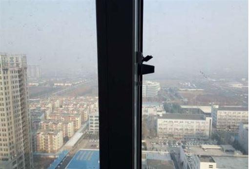 中國大陸,河南省,男童,墜樓(圖/翻攝自微博)
