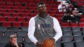 NBA/傳怪物狀元將展開5對5訓練 NBA,紐奧良鵜鶘,選秀,狀元,Zion Williamson 翻攝自推特