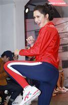 劉奕兒代言品牌運動產品,為奧運選手加油。(記者邱榮吉/攝影)