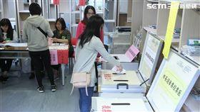 九合一選舉,投票,公投,投票日,排隊(圖/記者邱榮吉攝影)