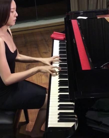 李元玲,鋼琴女神,馬來西亞,雪乳