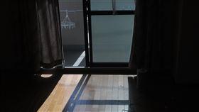 日本東京都政府將新設補助制度,給予設籍東京的特定犯罪被害人等不得不搬家時的搬家補助,開日本先河。(示意圖/圖取自PAKUTASO圖庫)