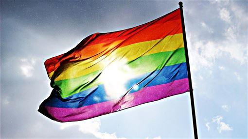 菲律賓最高法院近日宣布否決一項支持同性婚姻的動議,菲律賓人權委員會9日呼籲同性戀、雙性戀、跨性別者、酷兒和雙性人社群繼續努力爭取平權。(示意圖/圖取自Pixabay圖庫)