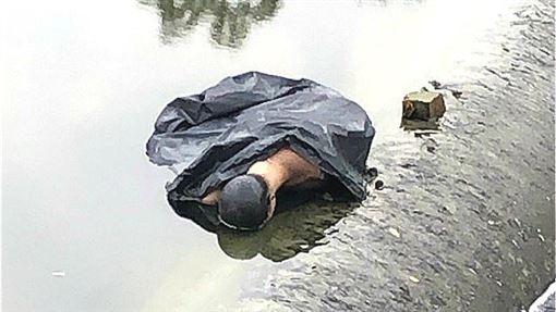 台南,排水溝,浮屍,模特兒(圖/翻攝畫面)