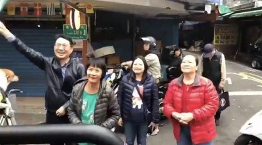 吳怡農,謝票(圖/翻攝自推特)