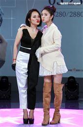 戴愛玲「愛戴2020演唱會」開賣記者會好友安以軒送上祝福。(記者邱榮吉/攝影)