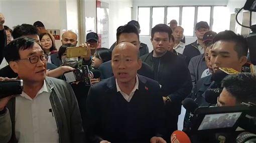 韓國瑜上班,談總統選舉補助款何去何從