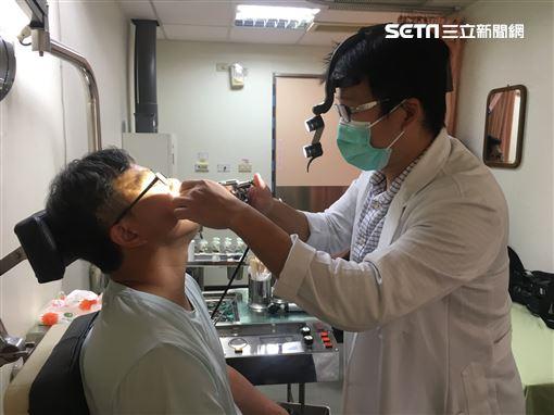 右耳疼痛一個月…男以為破皮狂擦小護士!就診竟是扁桃腺癌。(圖/南投醫院提供)