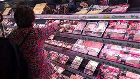 中國12月CPI年增4.5% 與11月持平非洲豬瘟疫情使中國豬肉供需嚴重失衡,CPI達8年新高。圖為中國民眾選購豬肉。中央社記者翟思嘉上海攝 109年1月9日