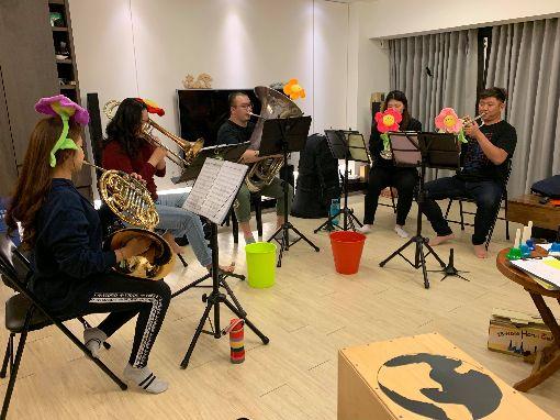 嘉義銅管五重奏台東偏鄉愛樂響宴(1)「嘉義銅管五重奏」由一支低音號、二支小號、一支法國號及一支長號組成,團員平日利用星期二晚間練習,常參與各項公益演出。(陳玫君提供)中央社記者蔡智明傳真  109年1月15日